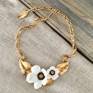 Jewelry - Gold collar choker necklace with flowers